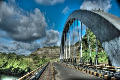 jembatan pantai bajul mati